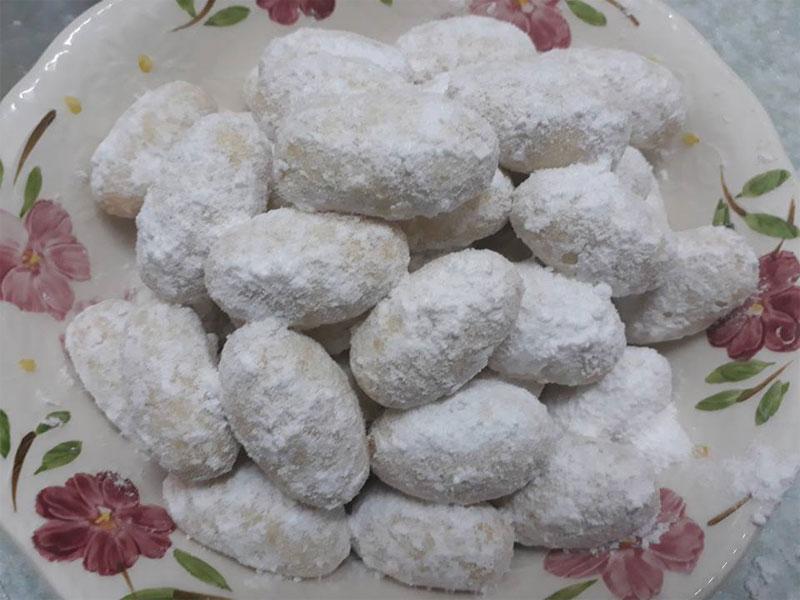 Kami berikan resepi biskut makmur untuk anda cuba sendiri kesedapan biskut raya tradisi ini. Rasanya yang rangup dan wangi dengan inti kacang tanah.