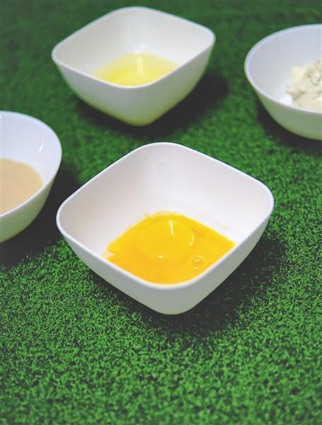 Jom kali ni kita cuba souffle cheesake.Alahai senang sungguh sebab tak de tepung bagai dan hanya guna 3 bahan mudah ja. Tapi kegebuan dia memang syok tau