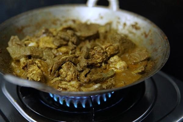 Jom kita cuba resepi teresek ayam kelantan ni.Memang sedap sangat .Lauk teresek ni menjadi fav di majlis kenduri selain dari tauchu.