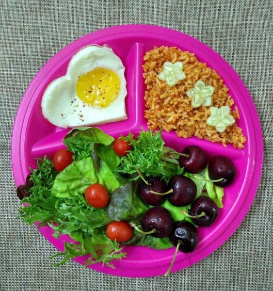 Kami berikan menu diet yang boleh anda cuba di rumah untuk turunkan berat badan 3-5kg sebulan dengan cara sihat.Tips untuk kuruskan badan yang harus dicuba