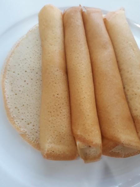 Salah satu kuih orang kita yang banyak dalam pelbagai bentuk adalah kuih apam.Sebut je resepi apam tepung beras, apam balik,apam tepung gandum,apam merekah,apam