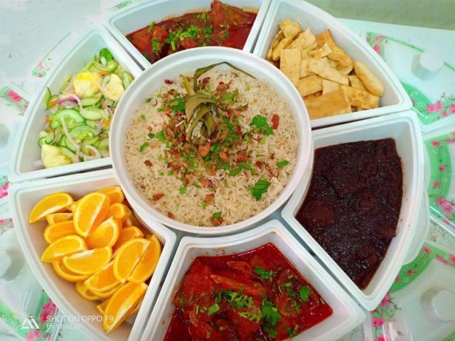 Sedapnya resepi nasi minyak beserta tips-tips yang diberi.Makan pula bersama lauk ayam merah atau daging masak hitam memang sangat lah sesuai.Best sangat