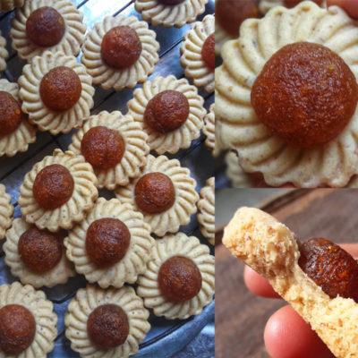Wahhh, resepi biskut tart nenas ni guna kelapa kering dalam adunan doh.Jadikan biskut lebih rangup.Gambar acuan ada disediakan untuk mudahkan anda buat.