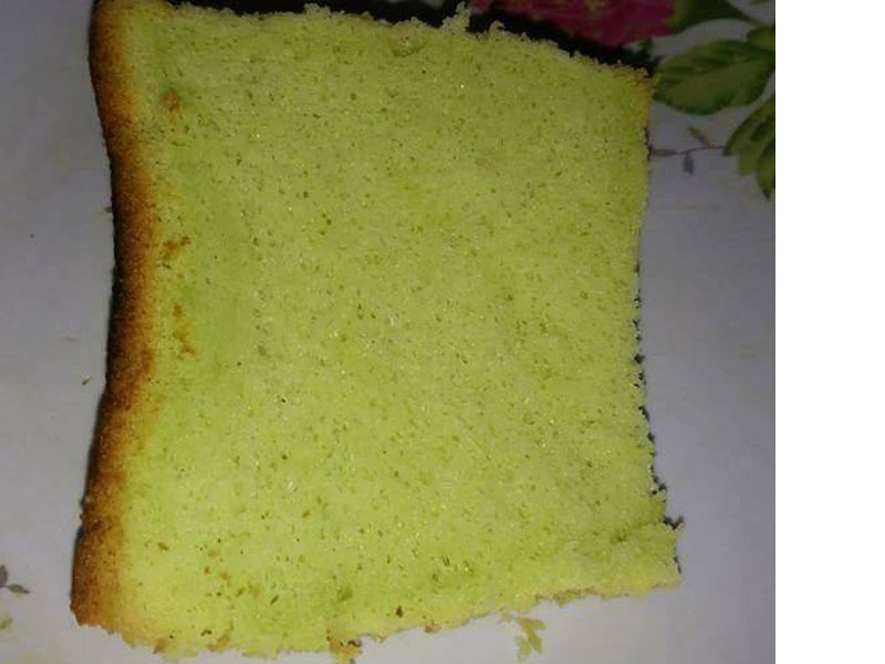 Resepi kek chiffon pandan asli ni memang gebu gebas sungguh. Nak buat makan macam tu je atau nak jadikan kek pandan cheese leleh pun sesuai kedua-duanya.