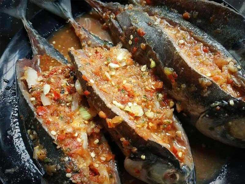 jom tengok resipi ikan cencaru sumbat power ni. cukup rencah dengan rasa pedas, masam dan manis serta ikan yang digoreng elok. memang best makan dengan nasi .