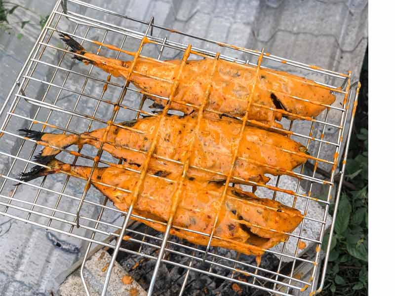 Sedap betul resepi ikan selar percik Kelantan ni. Guna pula ikan yang bersaiz besar, memang puas hati. Makan dengan gandingan gulai sayur putih dan budu, aduhai
