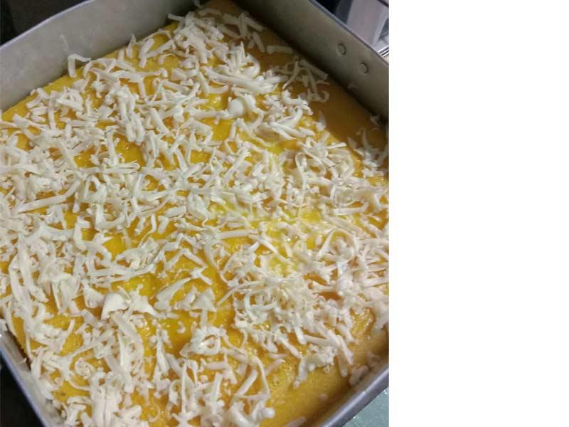 Memang mudah buat resepi bingka labu ni. Rasa manis elok serta lemak santan dan semestinya rasa labu sedap.Ada pula taburan cheese, lain macam sedap dia.