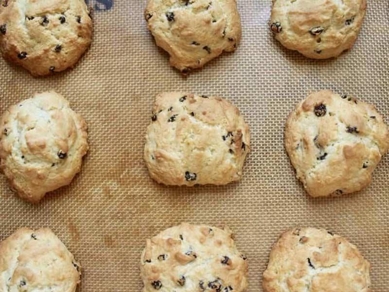 Kami nak kongsikan resepi biskut ban rock pada anda hari ini. Mesti ada yang tertanya-tanya apa jenis biskut lah. Sedap sangat. Rangup di luar lembut di dalam