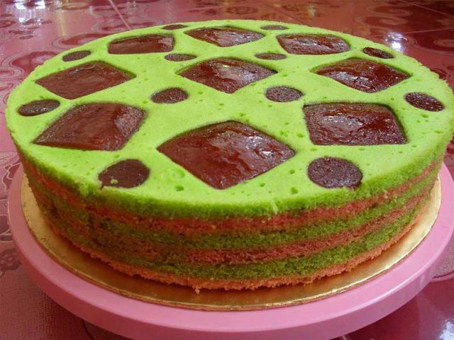 Resepi kek masam manis ni antara kek dalam kategori yang senang di buat. Kira walaupun anda pertama kali buat, Insyaallah anda berpuas hati dengan hasil kek