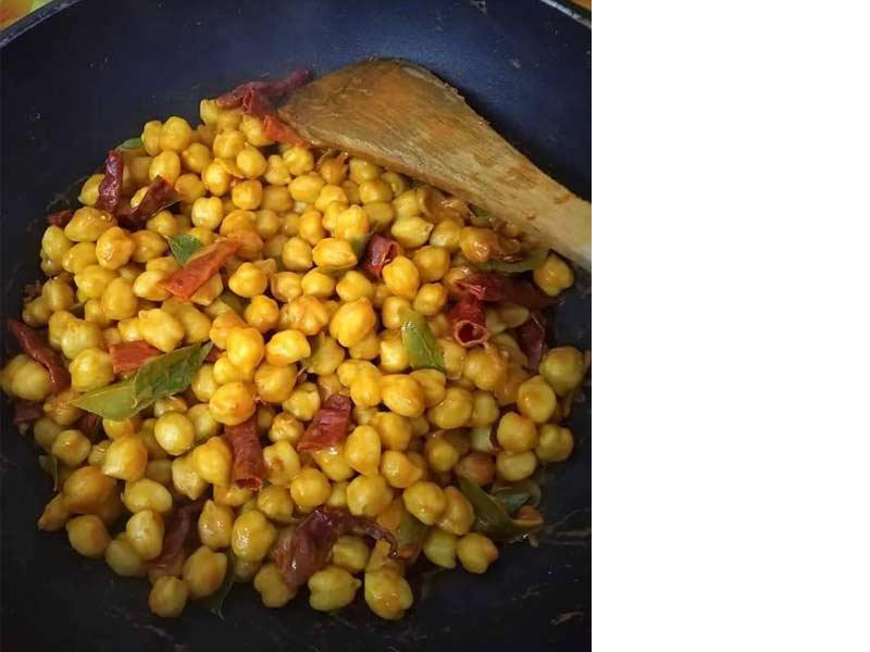 eloklah anda buat resepi kacang kuda rebus bersalut ini sebagai stok kudap-kudap anda dikala kelaparan. Boleh simpan di dalam peti untuk tahan lama.
