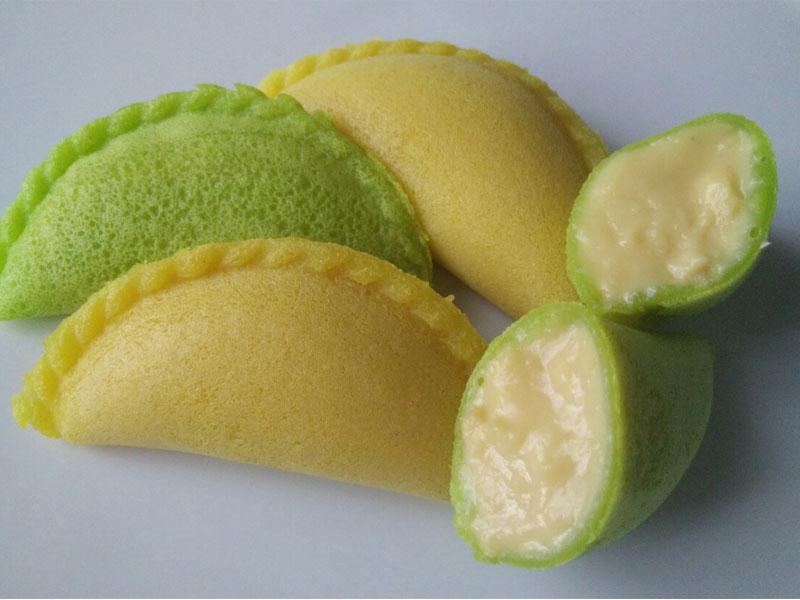 Resepi apam suri berintikan kastard durian ini sangat menambat selera. Lain daripada apam suri biasa yang berintikan kaya atau pandan. Sedap